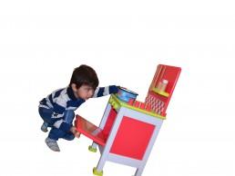 igračka drvenai šporetić za decu