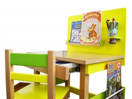 drveni radni sto za decu