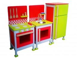 drvena igračka kuhinja za decu sa frižiderom, šporetom i sudoperom